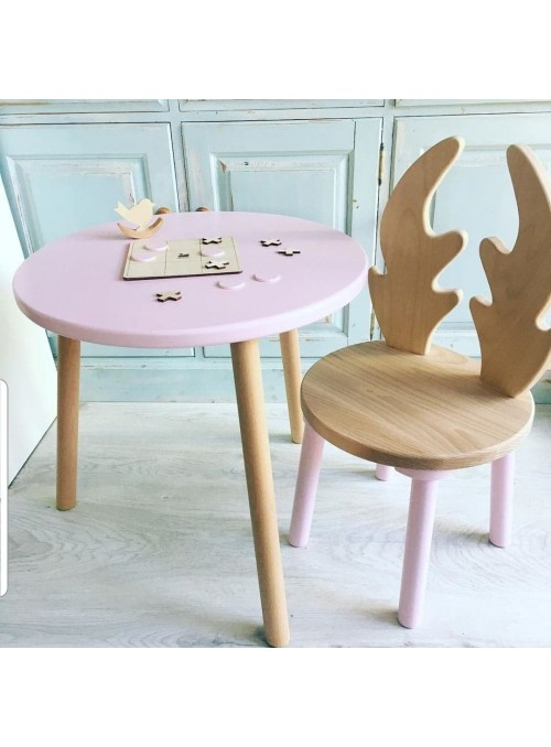 Drewniany stolik dziecięcy...